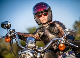 what kinds of motorcycle helmets work best for you see these types and features. Black Bedroom Furniture Sets. Home Design Ideas
