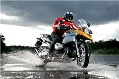 Click here to find motorcycle rain gear and other rider gear...